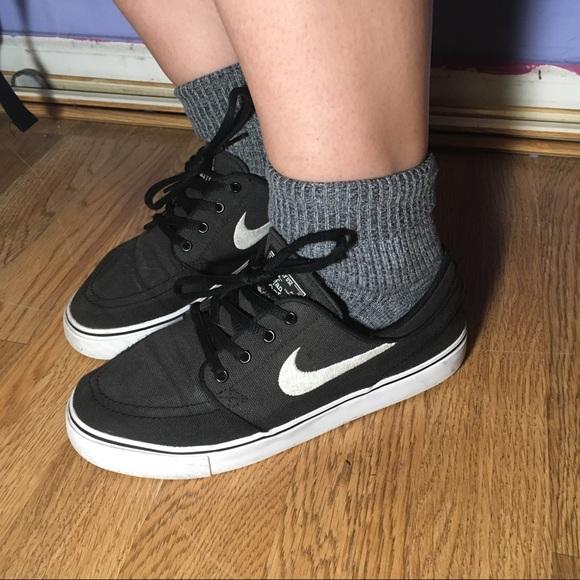 e2ca206bdf83f Nike Stefan Janoski Black Canvas Skate Shoes. M 5b6bab3bd8a2c71227aa47e1